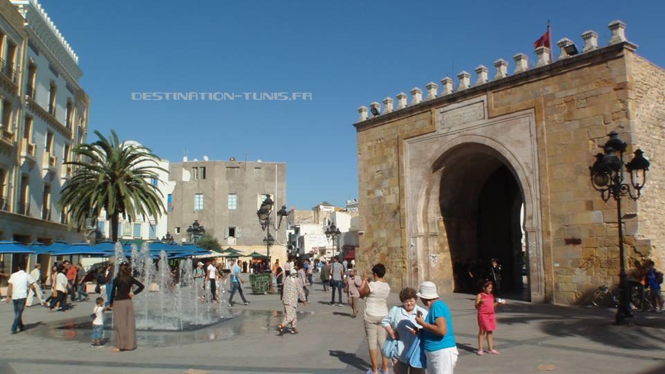 Bab el Bhar (Porte de France), l'une des principales entrées dans la médina de Tunis