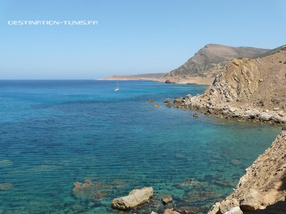 Montagnes se jettant dans une mer d'huile... Le paradis !