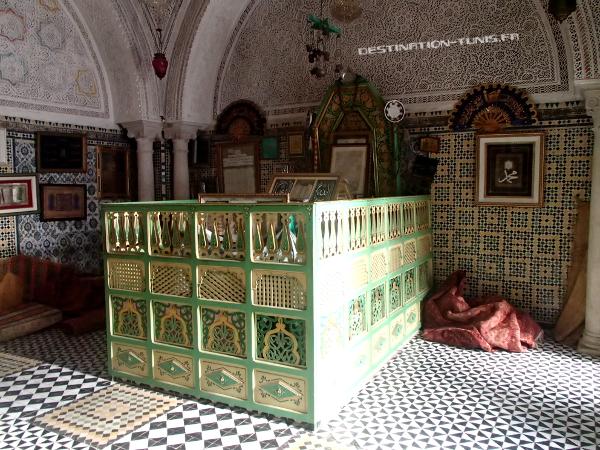 Le catafalque de Sidi Ali Azouz dans son mausolée de Zaghouan