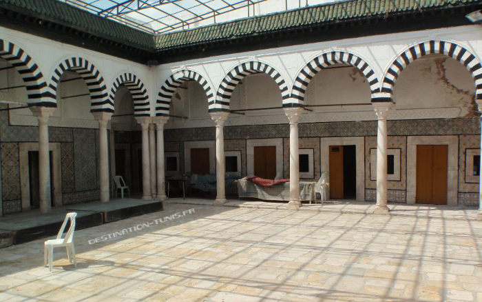 La cour intérieure de Bir Lahjar