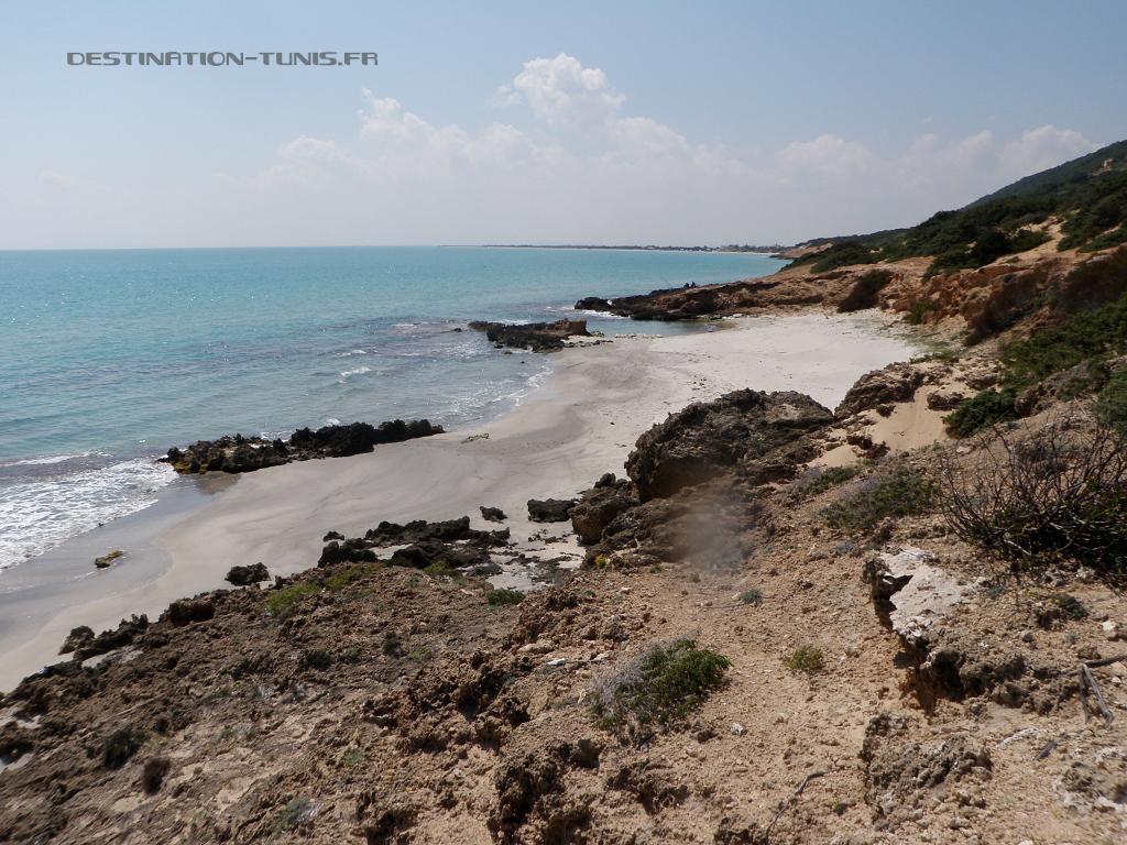 Un des criques sableuses le long de la presqu'île Ghar-el-Melh