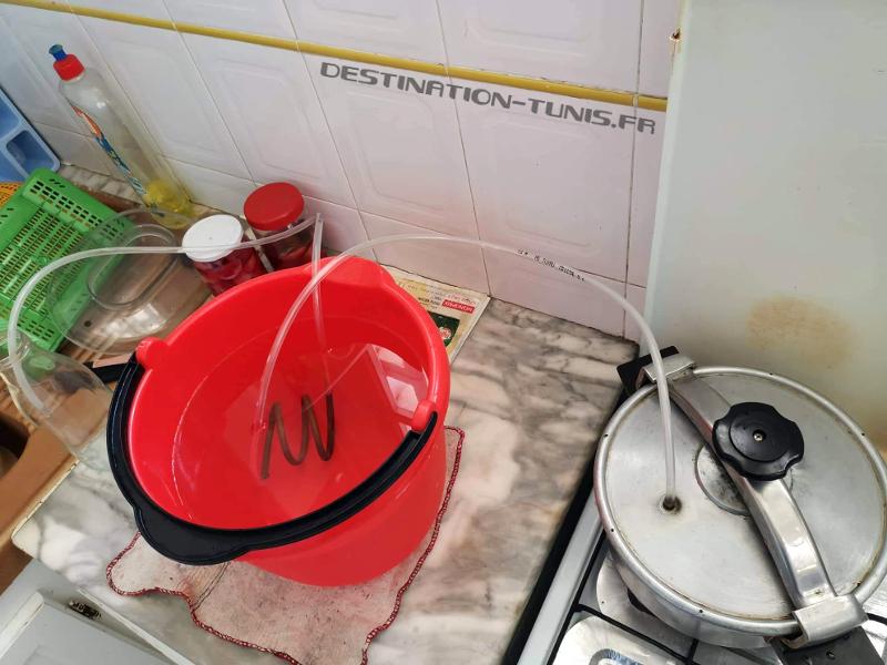 Atelier de fabrication de l'eau de fleur d'oranger