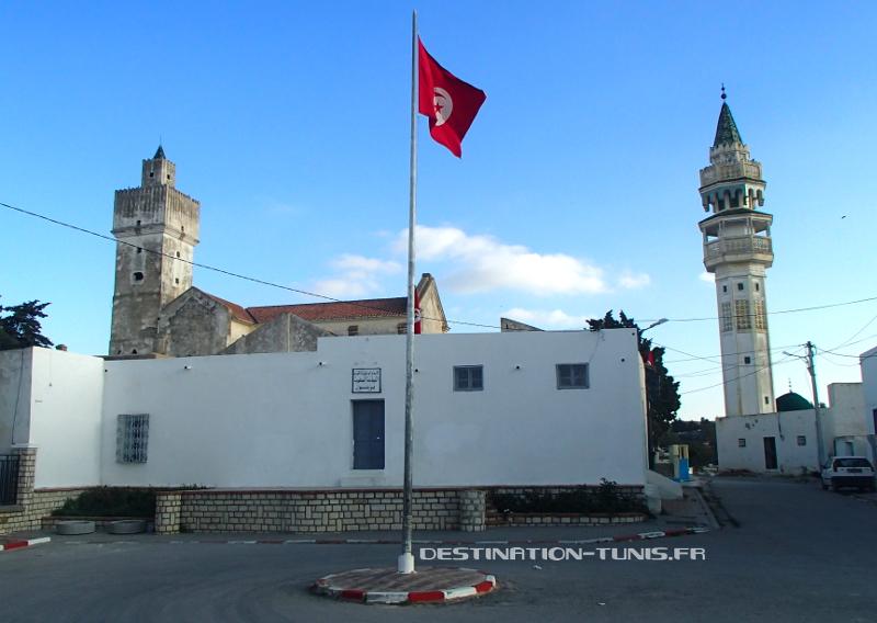 L'Eglise et la Mosquée Errahba se cotoient dans le centre de Zaghouan