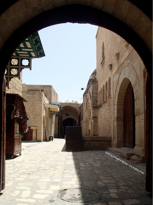 La petite cour à l'entrée de la Kobba dans la médina de Sousse