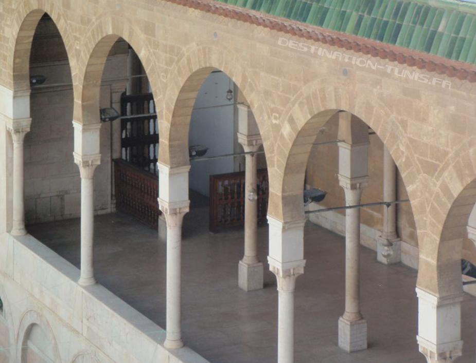 Galerie au dessus de l'entrée principale de la Zitouna