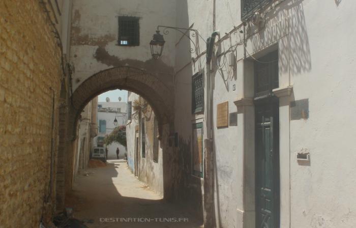 Façade de la maison où naquit Ibn Khaldoun