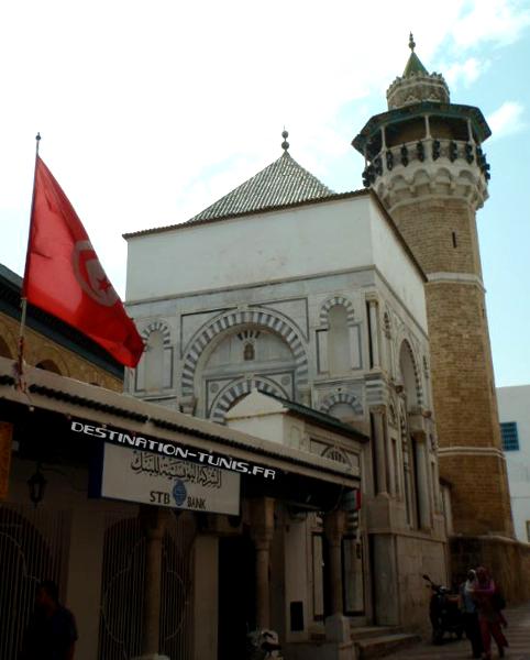 Mausolée et minaret de la mosquée Youssef Dey.