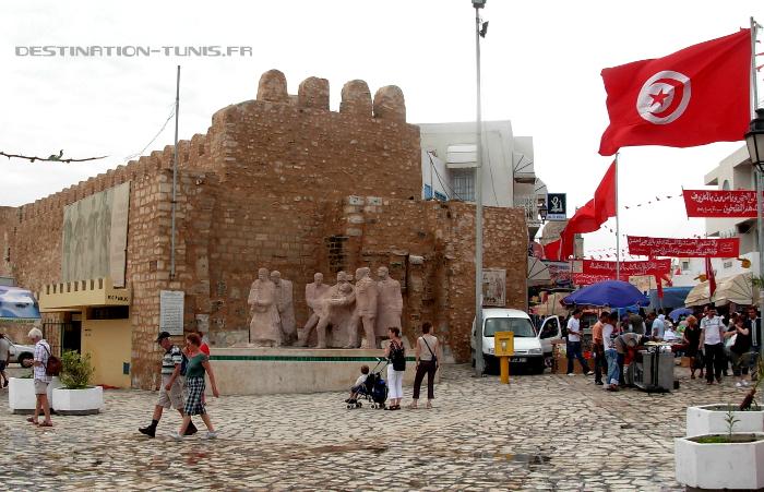 Bab Bhar, l'une des entrée de la médina de Sousse