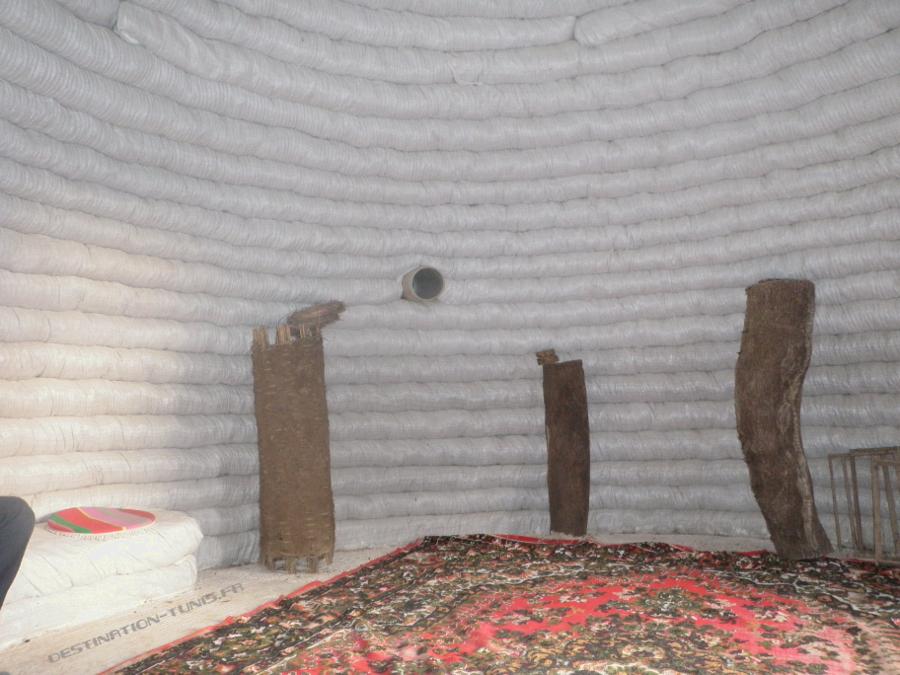 L'intérieur de La Rûche - écoferme de Mornag