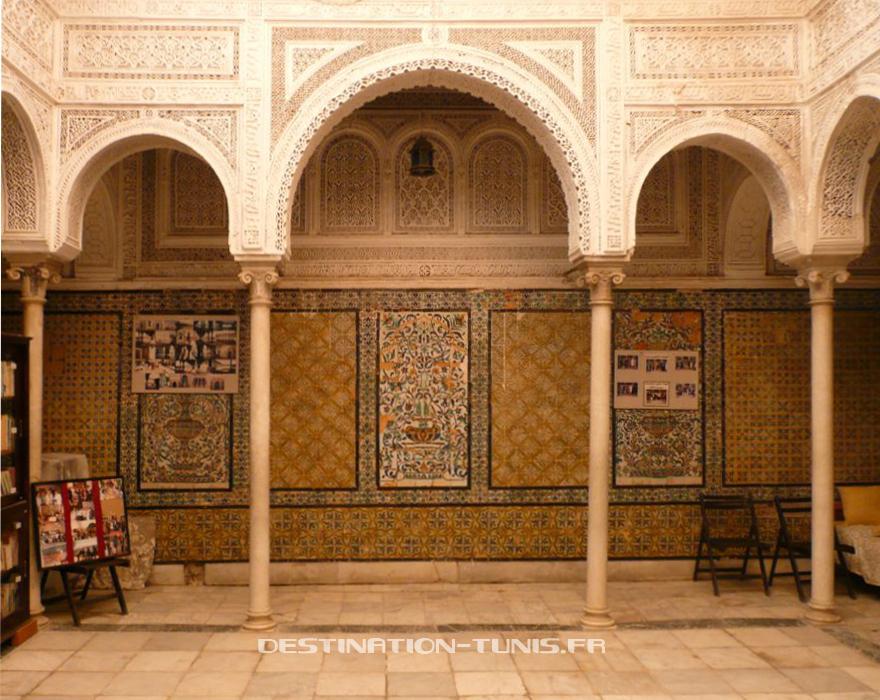Patio du mausolée de Ali Pacha