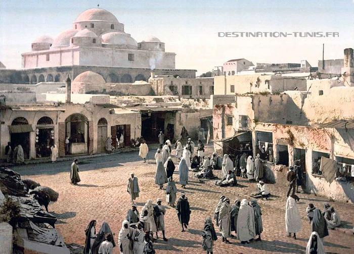 Place de Bab Souika en 1890.