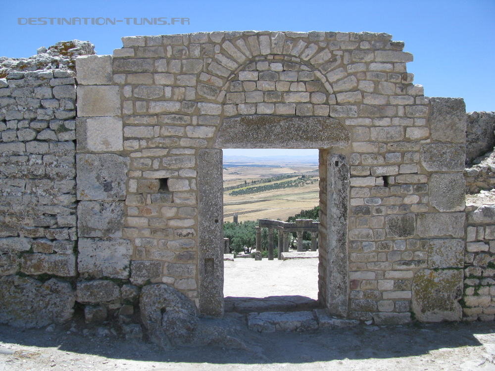 La porte d'entrée de la Maison du Trifolium