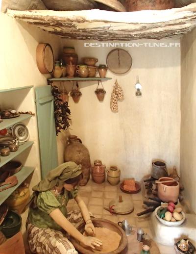 Une scène de la vie courante au musée el Kobba