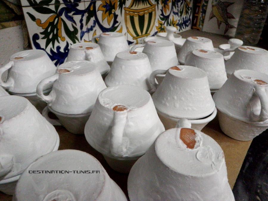 Atelier de céramique : séchage de l'émail