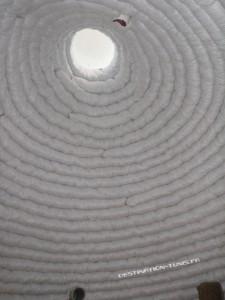 Le toit de La Rûche : une plaque de plexiglas permet d'assurer une bonne luminosité
