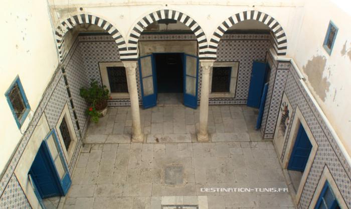 Westdar (patio central)